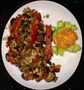 red pepper mushroom scramble